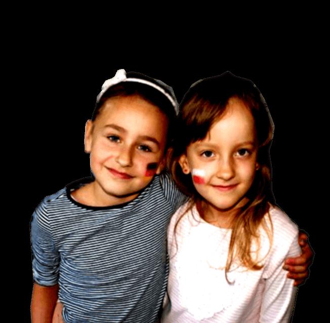 dwie uczennice szkoły podstawowej w Malechowie